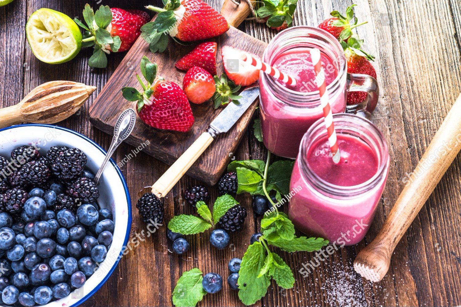 stock-photo-preparation-of-antioxidant-and-refreshing-smoothie-well-being-and-weight-loos-concept-on-wooden-379858843-e1518115625106.jpg